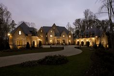 There are a great variety of house entrance design ideas that can help make your home as beautiful at night as it is in the daytime. Entrance Design, House Entrance, Main Entrance, Bungalow, Mansions For Sale, Luxury Mansions, Mansions Homes, Dome House, Atlanta Homes