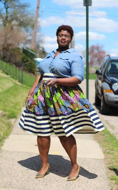Great skirt, fabulous styling *Who says plus size can't wear horizontal stripes? Work it gorgeous! #slimmingbodyshapers   https://slimmingbodyshapers