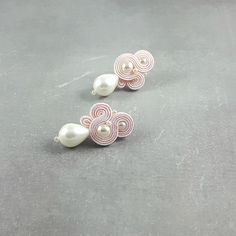 Pink stud wedding earrings pearls bridal by byPiLLowDesign on Etsy Pearl Earrings Wedding, Bridesmaid Earrings, Bridal Earrings, Small Earrings, Pink Earrings, Stud Earrings, Soutache Earrings, Handmade Wedding, Belly Button Rings