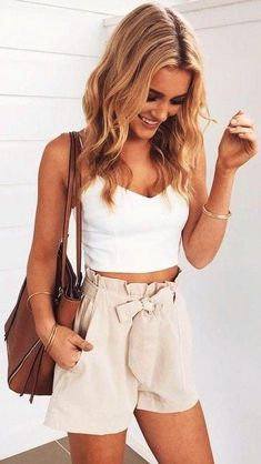 44 Outstanding Summer Outftis Ideas for Teen Girls 2019 These are kinda cute shorts. I guess they would go with anything. Though I prefer black or grey The post 44 Outstanding Summer Outftis Ideas for Teen Girls 2019 appeared first on Outfit Diy. Crop Top Outfits, Crop Top And Shorts, Mode Outfits, Short Outfits, Girl Outfits, Loose Shorts, White Crop Top Outfit, Ladies Outfits, Preppy Outfits
