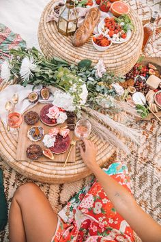 Spell & The Gypsy Collective beach picnic