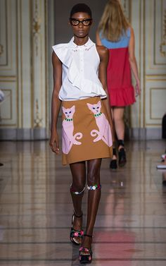 Vivetta Milano - Spring Summer 2016 Ready-To-Wear - Shows - Vogue. Cute Fashion, Spring Fashion, Fashion Show, Fashion Design, High Street Fashion, Party Looks, 2016 Fashion Trends, Vivetta, Spring Summer 2016