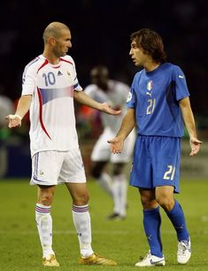 Zinedine Zidane of France exchanges words with Andrea Pirlo of Italy,. Pure Football, Best Football Players, Retro Football, World Football, Vintage Football, Soccer Players, Football Soccer, College Football, Andrea Pirlo
