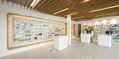Gallery of Pharmacy El Puente / ariasrecalde taller de arquitectura - 3