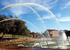 Fuente Triangular #beautiful #fountain #barcelona #summer