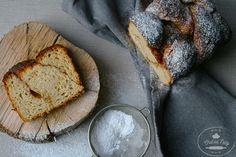 Ráno robí deň. Preto by sme si mali vždy dopriať dostatok času na raňajky, ktoré nielen zasýtia a vzpružia, ale i pohladia po duši. Vďaka... How To Make Bread, Bread Making, French Toast, Vegan, Breakfast, Ale, Food, Baking, Morning Coffee