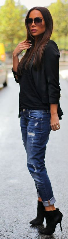 Boyfriend jeans with Black Suede Pointy Booties