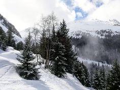 Не хочет зима сдавать свои права весне. В Альпах похолодало и идет снег☃️ Катаем, друзья!🎿👍 🚘Частные трансферы и экскурсии в Альпах. Путешествуйте с нами комфортно и безопасно 🚘 alpinbus.ru 🚘 alpinbus.eu 🚘  alpinbus.com 🚘 Reliable transfers 🚖 Snow, Outdoor, Outdoors, The Great Outdoors, Eyes, Let It Snow