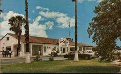 El 7 de Septiembre de 1941 se inauguraron los  vuelos  internacionales desde Monterrey,al iniciar susu operaciones  en nuestra ciudad la Compañia Americana Airlines,la cual prestaba sus  servicios desde  el Aeropuerto del Norte.