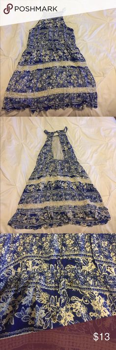 O'Neill High neck dress This O'Neill dress has only been worn once! It has a high neck, an open back, and an elastic middle to fit comfortably. In excellent condition! O'Neill Dresses Mini
