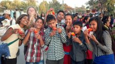 vivr y probar cosas nuevas en el REBAN Food Festival 2013 #voluntariado #nepal #festival #volunteer