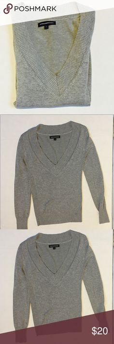Express grey Sweater top .Size XS Express grey Sweater top . Size XS . In excellent condition Express Sweaters
