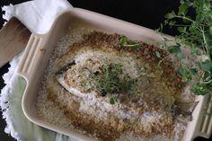 Godt og enkelt. Saltbaking er en super måte å steke hel fisk på. Her er en dorade fra Middelhavet.#bovim #wiiningfood #treningsmat Hummus, Ethnic Recipes, Food, Essen, Meals, Yemek, Eten