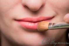 Tips to make lipstick last