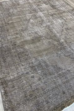 Vintage second life rug. Neutral grey colour combination. Made from wool on a cotton base. Low/zero pile. Transitional Area Rugs, Gray Color, Colour, Second Life, Vintage Rugs, Wool Rug, Color Combinations, Zero, Neutral