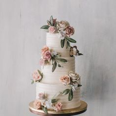 Must see these Gorgeous wedding cakes have got a wow factor - wedding cake , three tier wedding cake floral wedding cakes Gorgeous wedding cake inspiration Floral Wedding Cakes, Elegant Wedding Cakes, Beautiful Wedding Cakes, Wedding Cake Designs, Wedding Themes, Perfect Wedding, Wedding Colors, Floral Cake, Dream Wedding