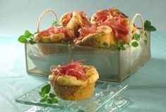 Savory muffins with ham and cheese Czech Recipes, Russian Recipes, Ethnic Recipes, Snacks Dishes, Savory Muffins, Ham And Cheese, Good Food, Paleo, Appetizers