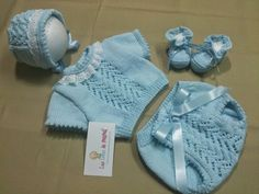 Las Cosas de Mamá: Modelo Fran Baby Knitting Patterns, Baby Boy Knitting, Knitting For Kids, Crochet For Kids, Crochet Baby, Knit Crochet, Knitted Baby Clothes, Cute Baby Clothes, Bebe Baby