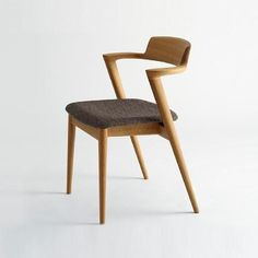 Dining Chairs - This Information Will Teach You About Furniture Plywood Furniture, Design Furniture, Kitchen Furniture, Cafe Furniture, Cheap Furniture, Pallet Furniture, Furniture Ideas, Old Chairs, Eames Chairs