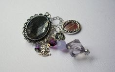Brooch Picture Me by Mary from by branchonthebeadtree on Etsy, $22.00