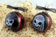 Skull Wedding Ornaments - Set 1 - right side Halloween Trees, Halloween Ornaments, Halloween Christmas, Xmas Ornaments, Halloween Crafts, Christmas Holidays, Christmas Bulbs, Christmas Crafts, Clear Ornaments