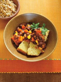 Vegetarian Tips And Strategies For Interior Decorating - Cool Beds Vegetarian Chili, Vegetarian Recipes, Cooking Recipes, Healthy Recipes, Freezer Recipes, Healthy Eats, Bean Recipes, Chili Recipes, Veggie Recipes