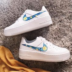 Starry Night (Swoosh) x - Schuhe Damen Hype Shoes, Buy Shoes, Me Too Shoes, Shoes Uk, Nike Shoes Air Force, Nike Air Force Ones, Custom Painted Shoes, Aesthetic Shoes, Fresh Shoes