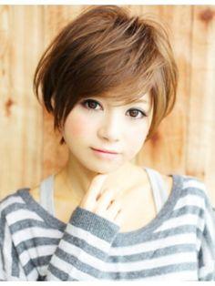 アフロート ジャパン AFLOAT JAPAN前髪&顔周りのカットで小顔にみせる毛流れのあるショートヘア