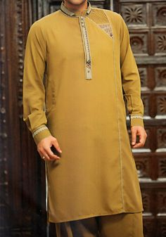 Shalwar Kameez and Kurta for Men are becoming more Trendy and Popular in Pakistan Mens Shalwar Kameez, Kurta Men, Formal Shirts For Men, Casual Shirts, Gents Kurta Design, Mens Indian Wear, Kurta Style, South African Fashion, Muslim Men