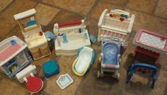 Fisher-Price-Loving-Family-Dollhouse-Lot-bathroom-baby-Furniture-11-pc-Vintage