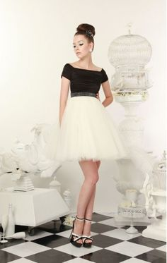 This Alice & Olivia dress is so adorable. It makes me want to go to a classy party or for tea.