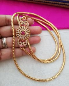 Gold Jewelry For Bridesmaids Gold Mangalsutra Designs, Gold Earrings Designs, Gold Jewelry Simple, 18k Gold Jewelry, Jewelery, Gold Chain Design, Gold Jewellery Design, E Design, Temple Jewellery