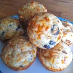 Kid Dinner Idea: Pizza Muffins | The Weary Chef