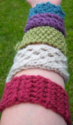 Cuff Bracelets - 30 Super Easy Knitting and Crochet Patterns for Beginners