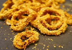 Air-Fried Onion Rings I made Air-Fried Onion Rings three times last week. My kids could not eat these fast enough. You'd have thought they hadn't eaten in a week. My son said it's the best thing I̵… Ezekiel Cereal, Onion Rings Air Fryer, Fat Free Vegan, Vidalia Onions, Vegan Kitchen, Fried Onions, Air Fryer Recipes, Whole Food Recipes