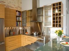 Photo of Beige Contemporary Kitchen project in Traverse City, MI
