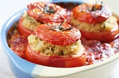 Stuffed tomatoes with bulgur, mint and raisins.....not in English but use translator....yum!