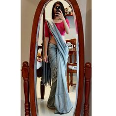 Follow This Brand To Style Simple Sarees in Epic Ways! • Keep Me Stylish Indian Fashion Dresses, Dress Indian Style, Indian Designer Outfits, Party Wear Indian Dresses, Saree Fashion, Indian Wear, Simple Sarees, Simple Saree Blouse Designs, Modern Saree