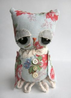Love those eyes. What a charming innocent owl!