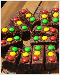 Brownies decorados como semáforos