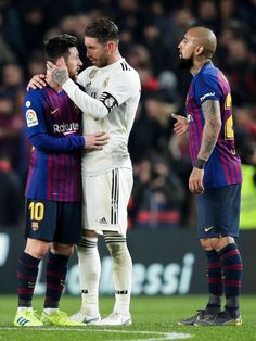 Lionel Messi of FC Barcelona, Sergio Ramos of Real Madrid, Arturo. Fc Barcelona, Barcelona Soccer, Solo Soccer, Soccer Usa, Soccer Sports, Soccer Tips, Nike Soccer, Soccer Cleats, Camp Nou