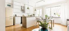revestimientos de interior interiores pisos pequeños estilo nórdico Encimera de hormigón distribución diáfana cemento pulido suelos encimeras blog…