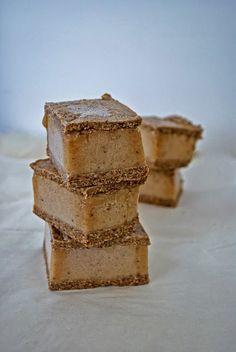 real raw kitchen: RECIPE: gingerbread ice cream sandwiches. No dairy! No gluten! Raw! Looks yummy!