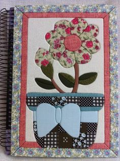 Caderno de dez matérias feito com patchwork embutido. Altered notebook.  Notebook. Cuaderno decorado. Libro alterado. Book.