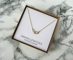 This White Marble Chevron Necklace is the perfect accessory for any outfit! A mix of boho-chic, this necklace can be used as an everyday item, or a statement piece. *Custom necklace lengths available upon request. Please leave a note at checkout with your preferred length* **Please note that eac