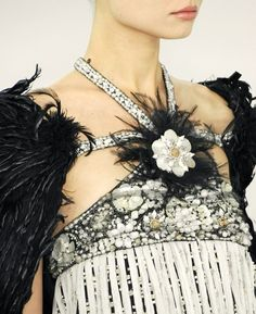 Chanel haute couture worn on the runway by Magdalena Frackowiak. Chanel haute couture worn on the runway by Magdalena Frackowiak. Couture Mode, Style Couture, Couture Details, Fashion Details, Couture Fashion, Love Fashion, Fashion Show, Fashion Design, Floral Fashion