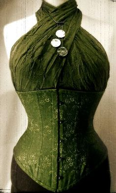 Nice way to wear a corset, must remind this!