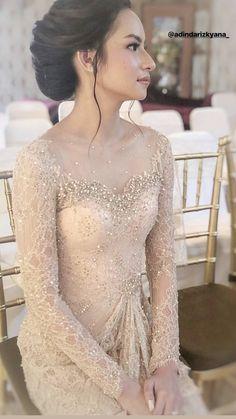 Proposal ehee - All For Bridal Hair Kebaya Lace, Kebaya Hijab, Batik Kebaya, Kebaya Dress, Vera Kebaya, Dress Brokat Modern, Kebaya Modern Dress, Dress Brukat, The Dress