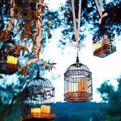 Pour une cérémonie qui brillent de mille feux, accrochez des lampions et des guirlandes aux poutres....
