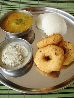 South Indian recipes that are vegetarian and simple to make.South Indian breakfast recipes and dinner recipes. Veg Recipes, Indian Food Recipes, Vegetarian Recipes, Snack Recipes, Recipies, Cooking Recipes, South Indian Breakfast Recipes, Andhra Recipes, Indian Snacks